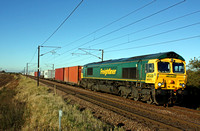66571 at Frinkley Lane, Marston near Grantham on 4.11.13 with 4L85 1228 Doncaster Ept - Felixstowe North Intermodal