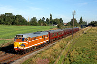 D5830 at Woodthorpe on 9.9.12 with 0900 Loughborough - Leicester North service at the GCR Sept 2012 Diesel Gala