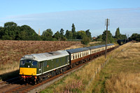 Immaculate looking D5185 passes Woodthorpe, GCR on 6.9.15 with 0900 Loughborough - Leicester North service at the GCR Autumn Diesel Gala 2015