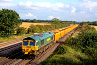 66602 heads north at Cossington, MML on 17.8.10 with 6U68 0855 Carlisle - Mountsorrel empty Network Rail yellow IOA's