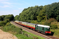 D8098 passes Kinchley Lane on a gloriously sunny 28.8.17 with 1500 Loughborough - Leicester North GCR Bank Holiday service