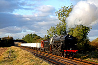 92203 The Black Prince hauls the Windcutter rake past Woodthorpe on 11.10.09 with 1505 Loughborough - Rothley Brook Demo freight on the Great Central Railway during the Autumn 2009 Steam Gala
