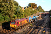 67025 'Western Star' tnt 66162  at Barrow Upon Soar, MML heading towards Loughborough on 7.10.14 with 3J93 1155 West Hampstead North Jn - Toton T.M.D RHTT working in lovely autumn colours