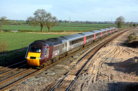 XC HST 43384 & 43303 at Elford heading towards Tamworth on 20.4.10 with 1V83 0632 York to Reading cross country service