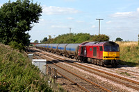 60040 waits in Elford Loop near Tamworth on 31.8.10 with 6M00 1133 Humber Oil Refinery to Kingsbury Oil Sdgs loaded bogie oil tanks