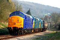 37219, D6915 and 37324 Clydebridge triple head 16.10 Toddington - Cheltenham service  on 1.4.07 at the Gloucester and Warks Diesel Gala April 2007
