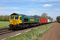 66570 approaches Broome Lane, Crossing, East Goscote near Syston East Junction on 5.5.16 with 4M81 0801 Felixstowe North F.L.T. - Crewe Bas Hall S.S.N. nicely loaded liner